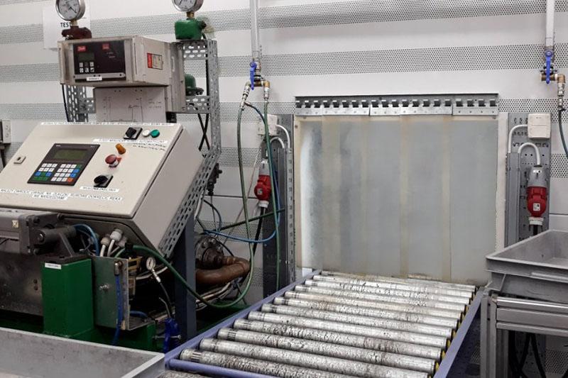 Kurtyny przemysłowe osłaniające wnętrza maszyn przed wnikaniem zanieczyszczeń