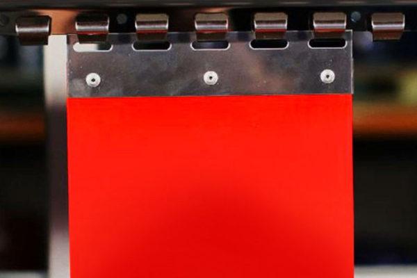 PAs PCV czerwony, nieprzezroczysty z okuciem stalowym